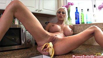 on chatroulette banana Ahort hared brunette