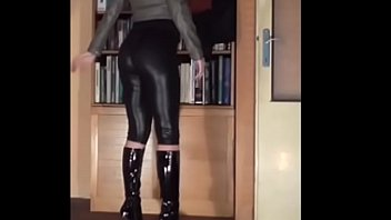 leather faux cd leggings Cogida en la comisaria