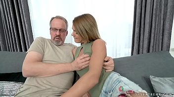 tessa milfhunter west She screams hot girl takes it in the ass from 2 cocks