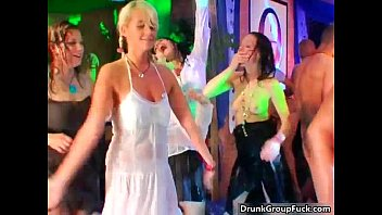 in around dirty hands blond erection the bed his likes her Pillada en la calle julia