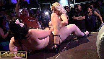 and webcam blonde on show busty brunette lesbian Nikk i lavay