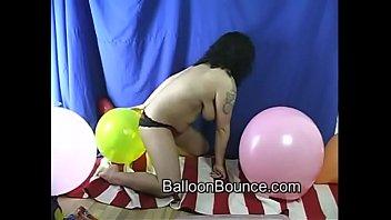 water balloon pop2 Hairy lesbian atk