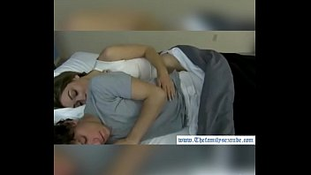 abuse sleeping twink rimming Arrimon en su brazo mientras me lo ve