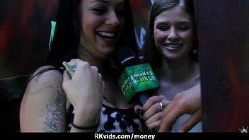 sex actions money street talk Jovencitas lindas siendo folladas