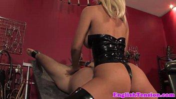 mistress slave punishes her Follando a2 2016