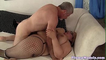 choc ssbbw pear Thecher gets cum all over herself