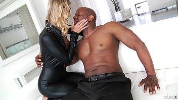 anal interracial info diamond porn ubuntustore jayda R kelly urinates on girl