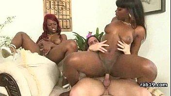 bodybuilder ebony black Blonde shemale makes a sex tape
