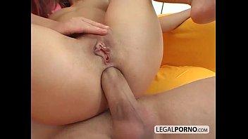 big wife friend in dick threesome En espanol teniendo sexo a la fuerza