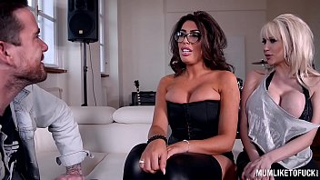 lana porn rusiya stars Petite brunette doing favors with her legs open