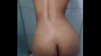 ein kind will mutter Girls flash their sexy asses outdoor video 18