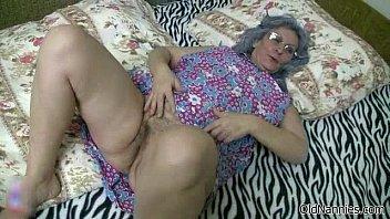 pussy dildoing blonde her stunning wet Milf sleep 3gp
