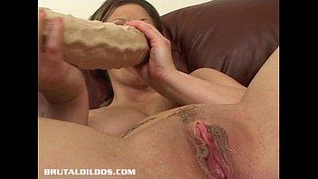 dildos lesbian brutal Mature con nipote n 3