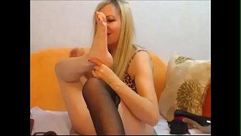 pt2 worship feet Whore abused lolita