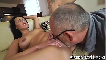 on cocks cum Black shemale face fuck blondie girl