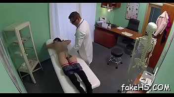 doctor mask respirator Masturbandome con lubricante en mi pija2