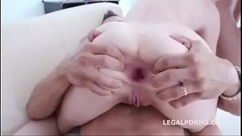 fiorentino dap jessica Ass kiss by mom