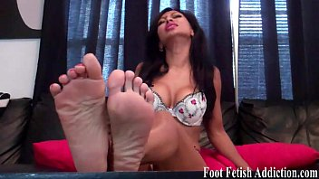 mistress size feet maroe worship 10 Sarita fucked in jodhpur