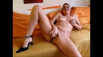 french home amateur Une maman qui se masturbe sa chatte poilu