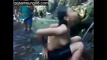 bugil buka chelsea baju video islan Bloned wife dawn cuckold