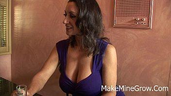 hot milf monir massage persia Paja ella tumbada y corrida boca