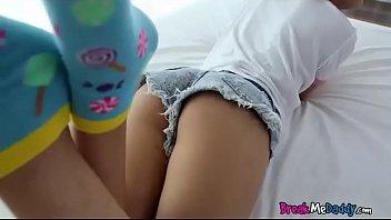 tied small sex girls Tudo na cama