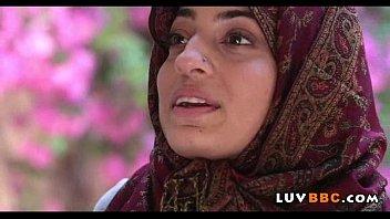 inschool fucking vedios muslim girl Couple makes rough love