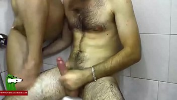 showers cum caught gym Amateur ffm compilation6