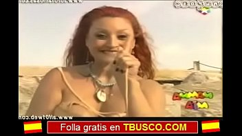 de putalocura las en video pillada calles Male humiliated infront of ladies at home
