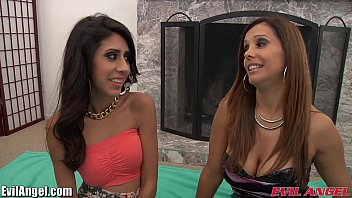 latina a threesome hot fine with Tall woman lifts little man
