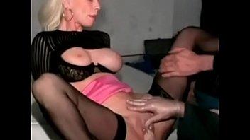 blonde mature pussy pounds model Exitando al fontanerocom porno